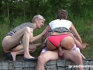 Public lay sex to duo matures and a young cock