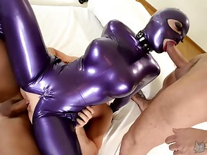 Leggy bitch in latex outfit Lucy takes part in crazy threesome chapter