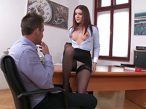 Extremely whorish Russian secretary Everlina Darling wanna anent hard DP