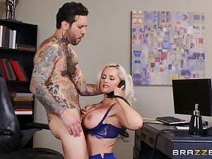 Prex blonde meeting lady Alena Croft fucked on the feed by her hotshot