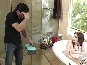 Stepdad comes in without rapping and then he fucks his sexy stepdaughter